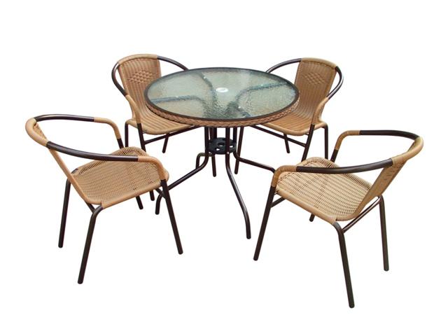 Деревянная мебель для летнего кафе